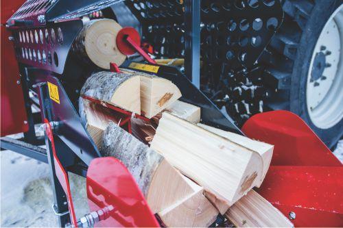 Processeur à bois de chauffage - une machine tout-en-un qui découpe et fend le bois